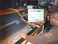 Mixing & Mastering Engineer Joe Wize Mixing @ Verse Studio In Brooklyn